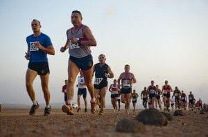 Eine Jogging Gruppe mit meheren Läufern