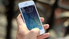 Ein iPhone 5S in der Hand