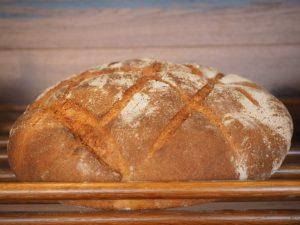 Brotkörbe eignen sich auch für größere Brote mit harten Krusten